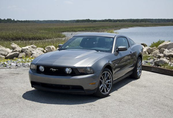 2011 ford mustang gt review