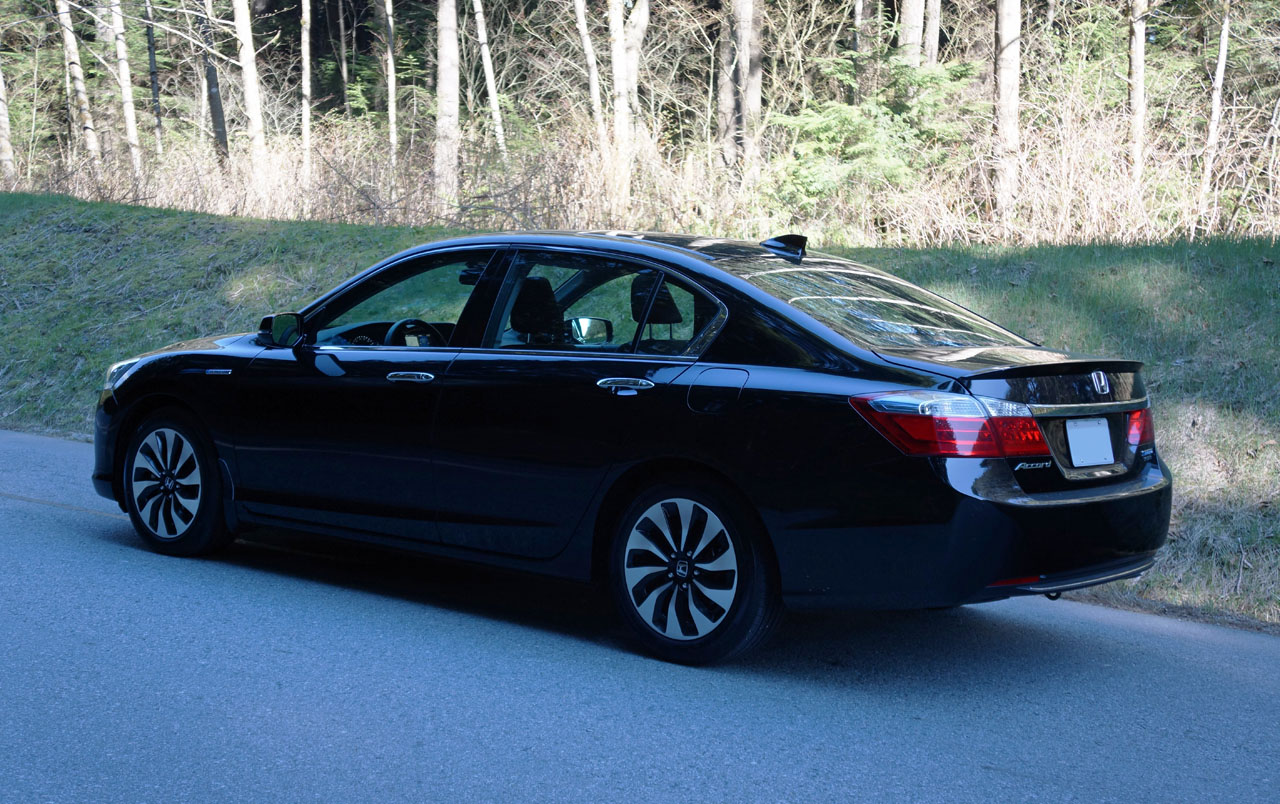 2014 accord hybrid touring review